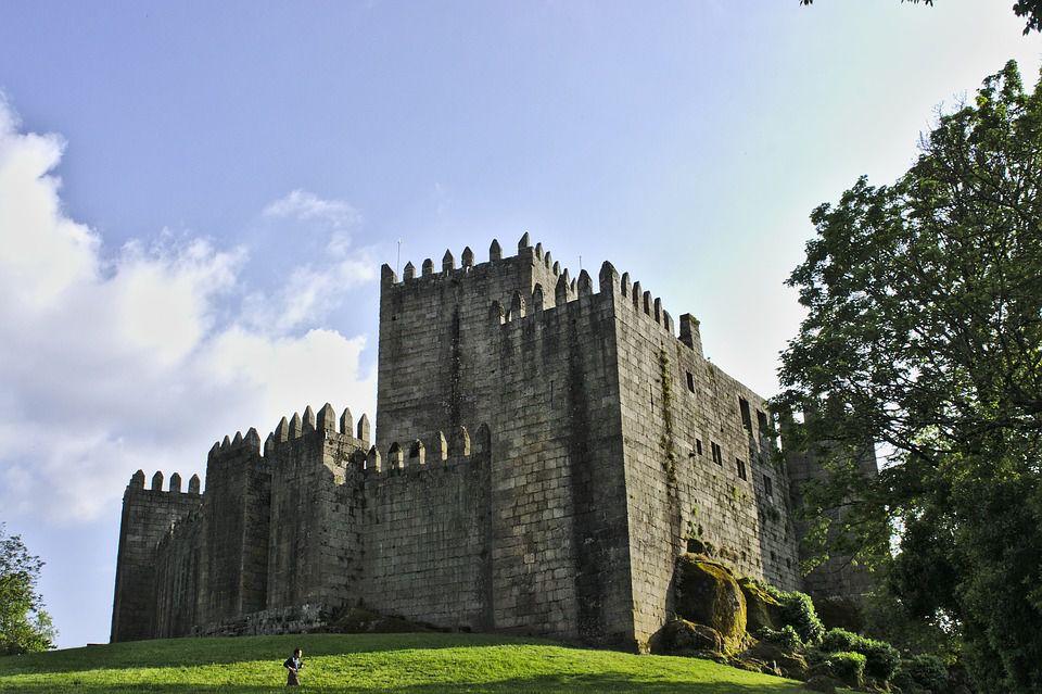 castle-of-sao-manede-1422922_960_720